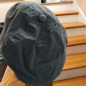 Baby Gap gray newsboy cap. Size 0-6 months